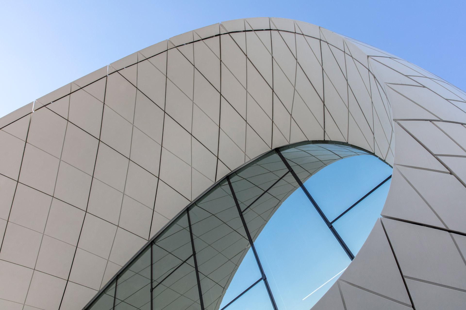 FL111 11 - ETIHAD MUSEUM